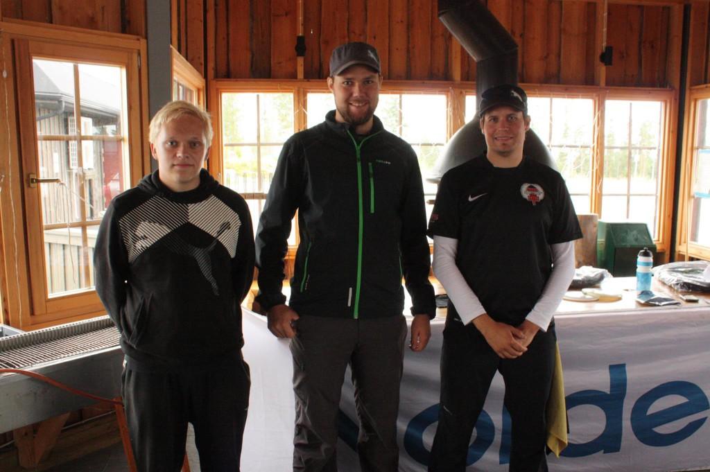 Riihivuoren kisan avoimen TOP 3: Henrik Martikainen, Jani Saukko ja Pete Hytönen.