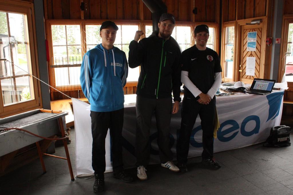 Kahden vuoren kisan avoimen TOP 3: Henrik Martikainen, Jani Saukko ja Aleksi Paananen.
